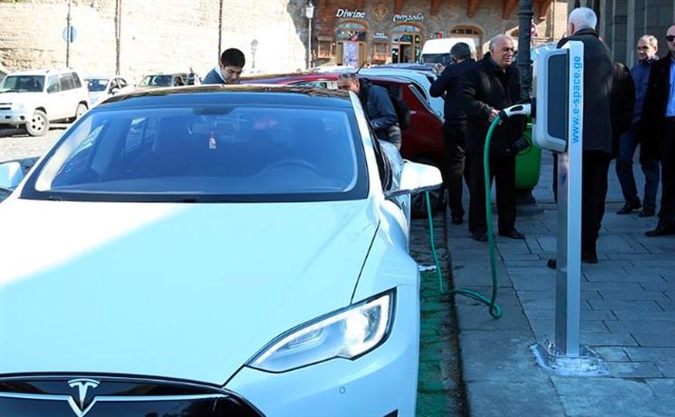 Первые станции зарядки электромобилей появились вГрузии