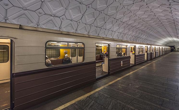 Вестибюли станций «Кузьминки» и«Тушинская» закроют ввыходные